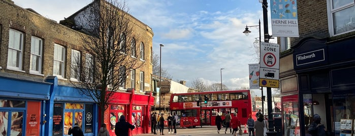 Herne Hill is one of London Neighboorhood.