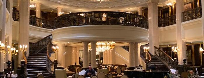 Orlov Lobby Lounge & Bar is one of Locais curtidos por Aydın.