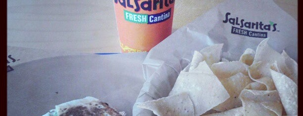 Salsarita's Fresh Mexican Grill is one of สถานที่ที่ Megan ถูกใจ.