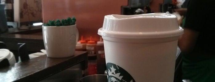 Starbucks is one of Orte, die Chelsea gefallen.