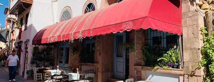 Aivali Food& Art is one of Ayvalık.