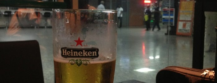 Heineken Lounge is one of Lugares guardados de veysel.
