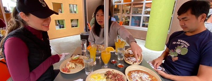 Snooze, an A.M. Eatery is one of CA.
