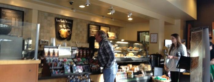Starbucks is one of Matthew'in Beğendiği Mekanlar.