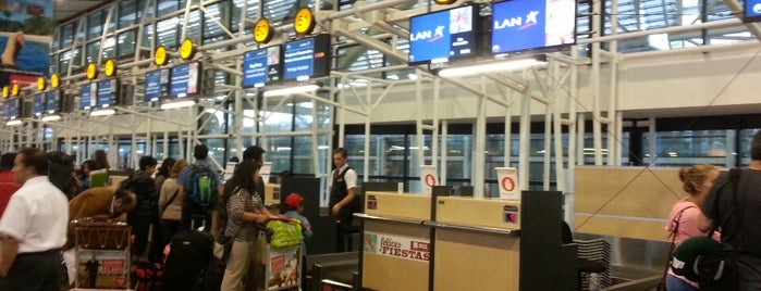 Aeropuerto Internacional Comodoro Arturo Merino Benítez (SCL) is one of Airports (around the world).