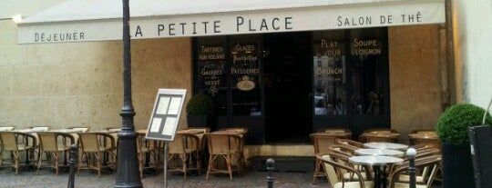 La Petite Place is one of Mes brunchs favoris à Paris.
