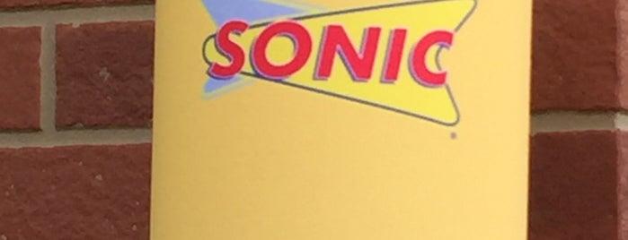 Sonic Drive-In is one of Leonda : понравившиеся места.