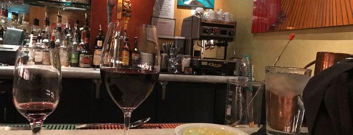 Max's Bistro & Bar is one of AmberChella 님이 좋아한 장소.