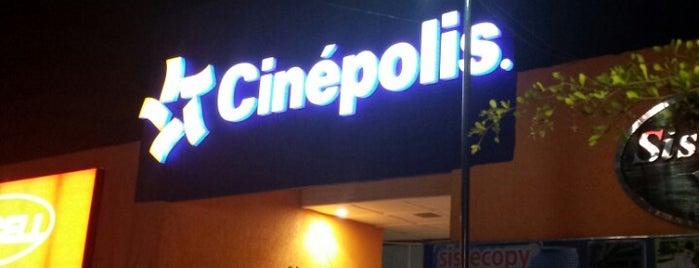 Cinépolis is one of Locais curtidos por Oscar.