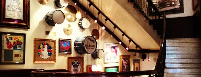 Hard Rock Cafe is one of hotspots.