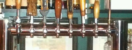The Kinderhook Tap is one of Lugares favoritos de Kelly.