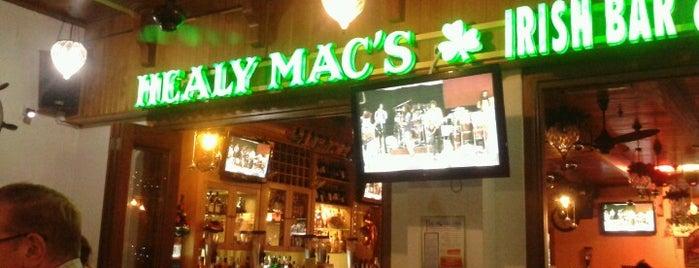 Healy Mac's Irish Bar & Restaurant is one of Tempat yang Disukai Andus.