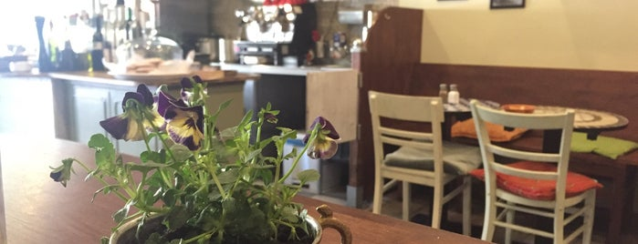 Salut Mediterranean Food & Catering is one of Anton : понравившиеся места.