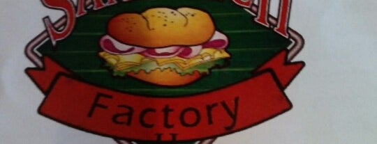 The Sandwich Factory Sports Lounge is one of Lugares favoritos de Chrissy.