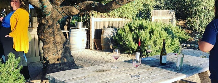 Sunstone Vineyards & Winery is one of Dan 님이 좋아한 장소.