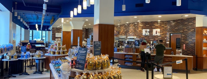 Ghirardelli Ice Cream & Chocolate Shop is one of Chicago.