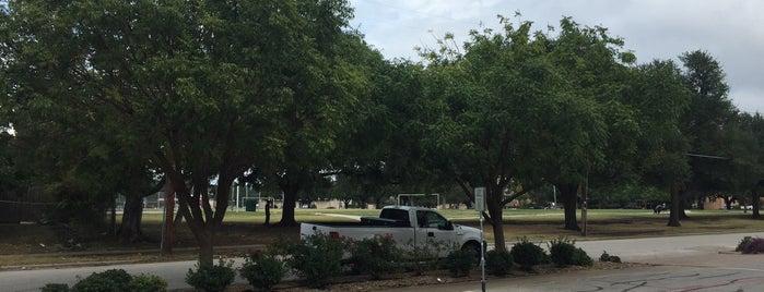 Garrett Park is one of Dallas Parks.