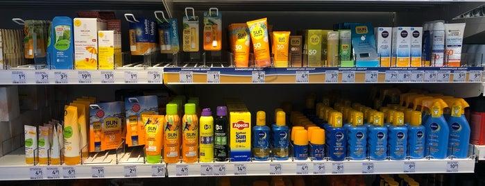 dm-drogerie markt is one of Locais curtidos por Karol.
