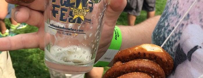 Milwaukee Brewfest is one of Kat'ın Beğendiği Mekanlar.