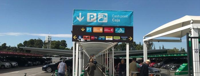 Parking Terminal 1 is one of Evelyn'in Beğendiği Mekanlar.