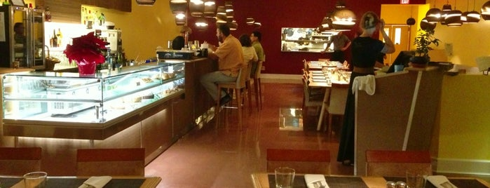 Dazoo Restaurant is one of Maui places to check out.