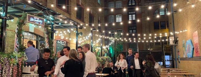 The Bermondsey Yard Cafe is one of C'ın Beğendiği Mekanlar.