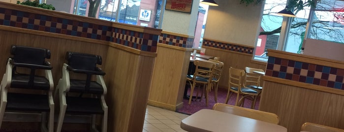 Wendy's is one of Tempat yang Disukai Christian.