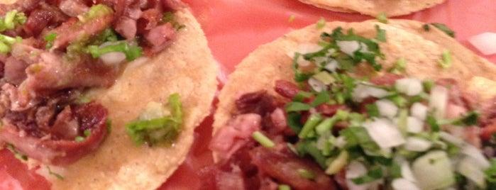 Tacos De Don Favio is one of สถานที่ที่ Iván ถูกใจ.