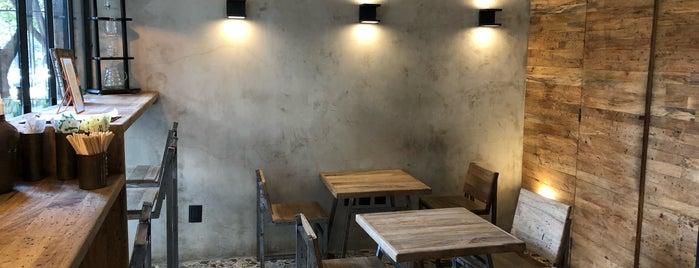 Mandrake Café is one of Locais curtidos por Citlalli.