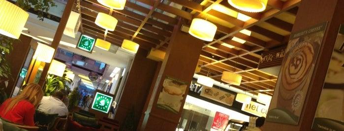 Robert's Coffee is one of สถานที่ที่ Sabahattin ถูกใจ.