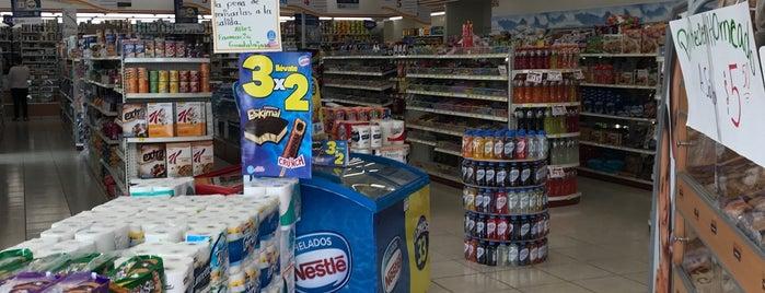 Farmacia Guadalajara is one of Tempat yang Disukai Ramiro.