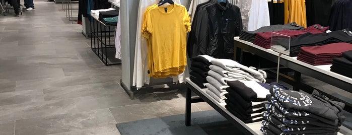 H&M is one of Lu : понравившиеся места.