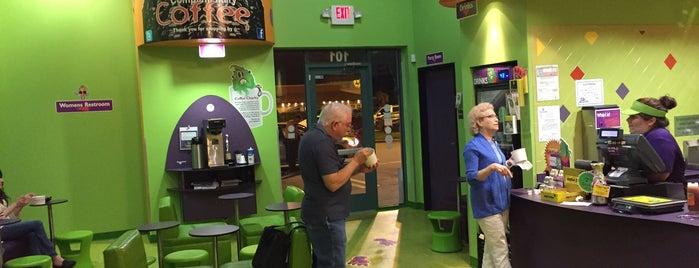 Monster Yogurt is one of สถานที่ที่ Bob ถูกใจ.