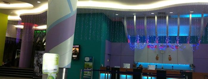 Coliseum Cineplex is one of Posti salvati di Anna.