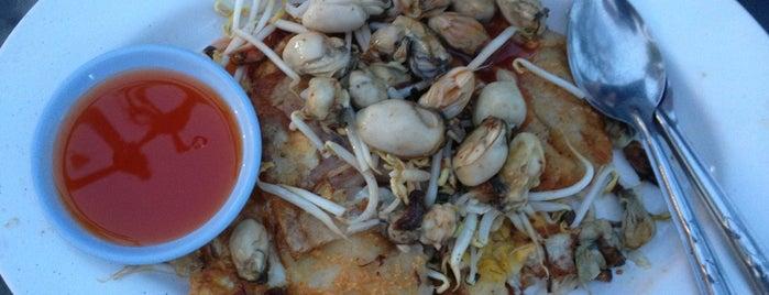 ช. หอยทอด นางรม อ้อส่วน กระเพาะปลา องค์พระปฐมเจดีย์ is one of Nakhon Pathom.