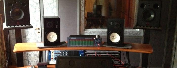 Mordecai Recording Studio is one of Locais curtidos por Valeria.