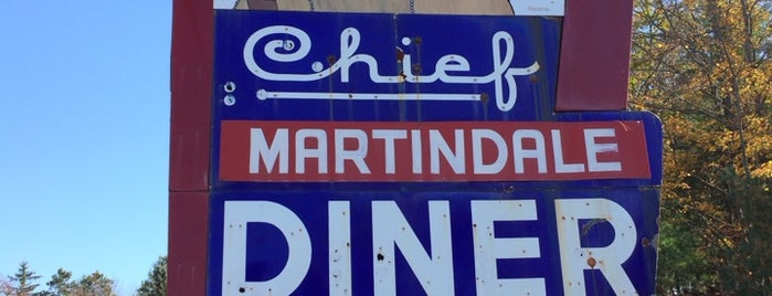 Martindale Chief Diner is one of Locais curtidos por Jesse.