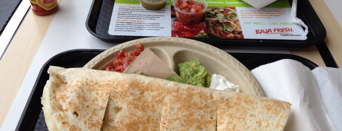 Baja Fresh is one of Locais curtidos por Pedro.