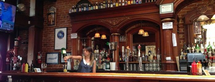 Black Sheep Bar & Grill is one of Locais curtidos por Luis.