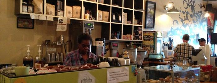 Element Coffee is one of Locais curtidos por Houda.