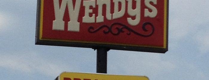Wendy's is one of Tempat yang Disukai Ryan.