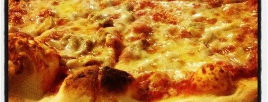 Romeo's Pizza is one of Lugares guardados de Benjamin.