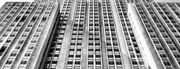 Empire State Building is one of Lugares donde estuve en el exterior.