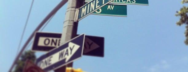 Minetta Triangle is one of สถานที่ที่ Jason ถูกใจ.