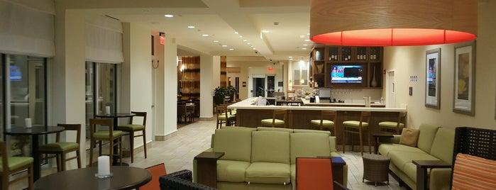 Hilton Garden Inn is one of Tempat yang Disukai David.