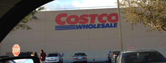 Costco is one of Locais curtidos por Kaitlyn.