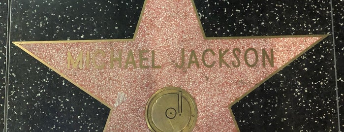 Michael Jackson's Star is one of Posti che sono piaciuti a Moe.