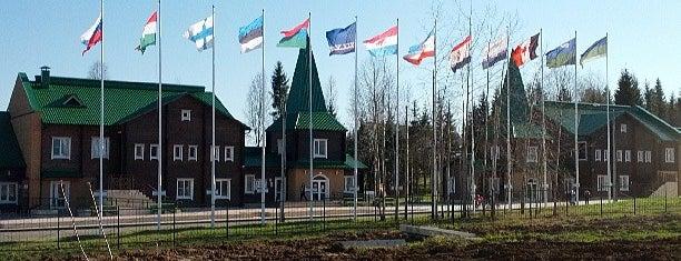 Финно-угорский этнопарк is one of Tempat yang Disukai Alik.