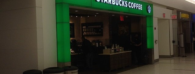 Starbucks is one of Lieux qui ont plu à Charley.