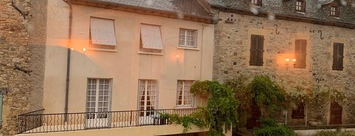 Saint-Come-d'Olt is one of Les plus beaux villages de France.